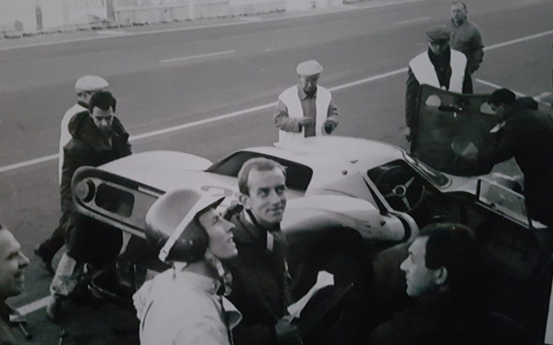 1966 – 1000km de Spa, Eric de Keyn and the Ferrari 250 LM of Ecurie Francorchamps in the pits