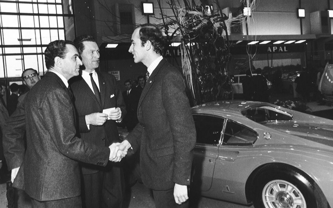 1968.01 – Welcoming HE the Ambassador of Italy to the Dino stand at the Brussels Motor Show