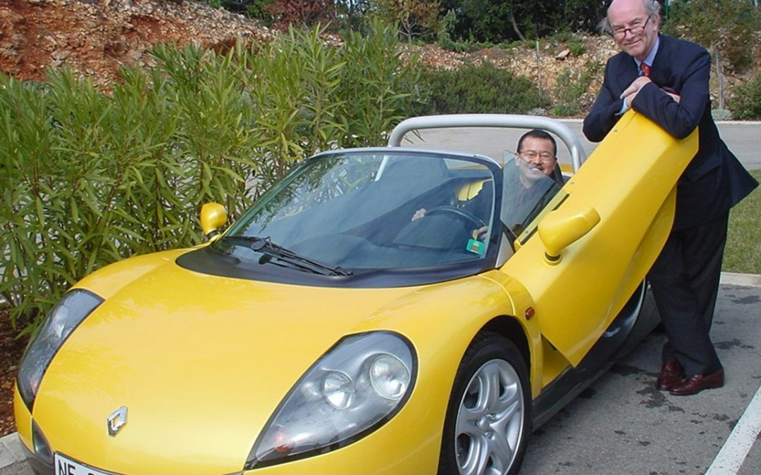2004.02.20 – Wahei Hirai, head of the Toyota ED2 design center in Sophia Antipolis, discovering my Renault Spider