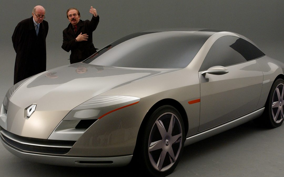 2004.03 – With Patrick Le Quément discussing the Renault Fluence concept