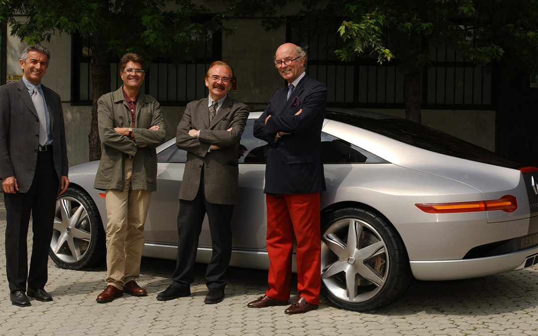 2004.05 – Pierangelo Maffiodo, Michel Jardin (in charge of the Renault concept cars) and Patrick le Quément in front of Fluence in the courtyard of G-Studio