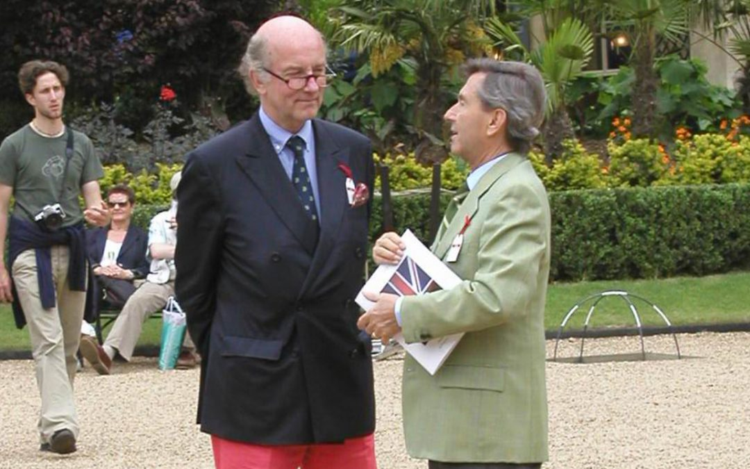 2004.06.05 – Listening to Leonardo Fioravanti at the Louis Vuitton Classic concours at Waddesdon Manor