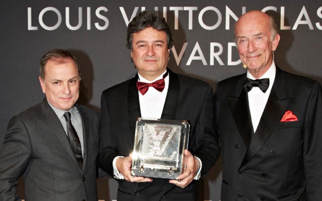 2013.02.05_4 - Michael Burke, CEO of Louis Vuitton, with Fabrizio Giugiaro of Italdesign, winner of a Louis Vuitton Classic Special Award