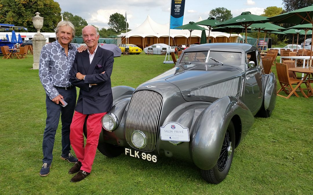 2014.09.02 – Derek Bell and I shared this Embiricos Bentley look-alike during the Salon Privé rally. We had the time to exchange memories as Derek drove several times for the Ecurie Francorchamps at the time I was part of it