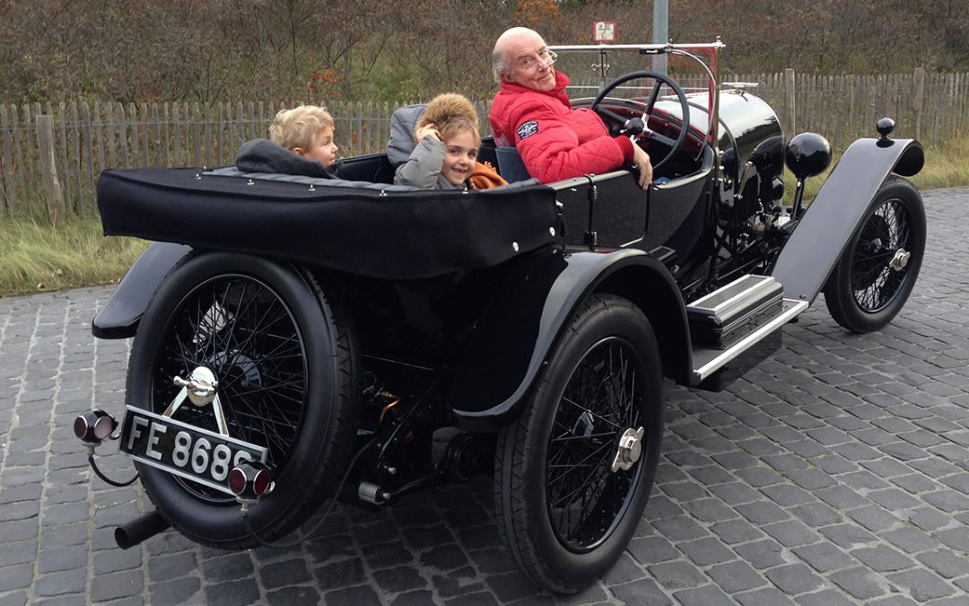 2015.12.05 – Happy kids about to enjoy a ride in our Three Litre Bentley